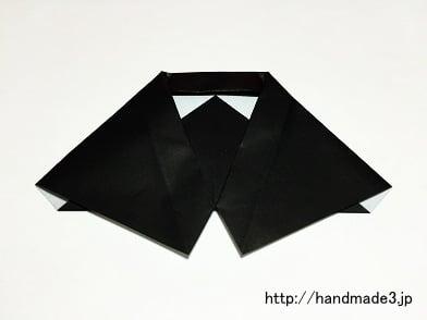 折り紙でハロウィンのマントを折った